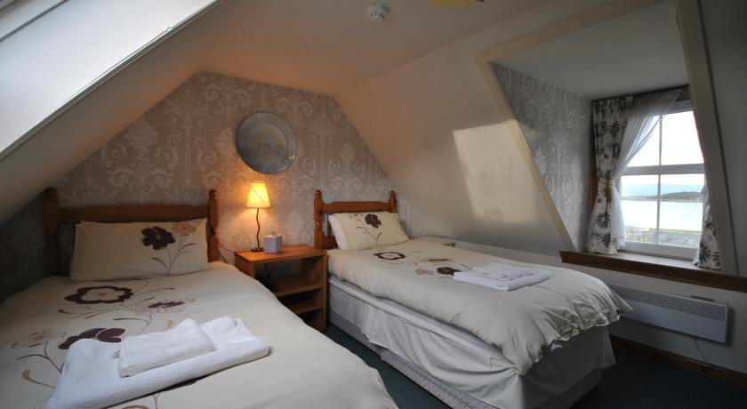 Book A Hotel Room In Saucy Mary's Lodge - Hostel With ...